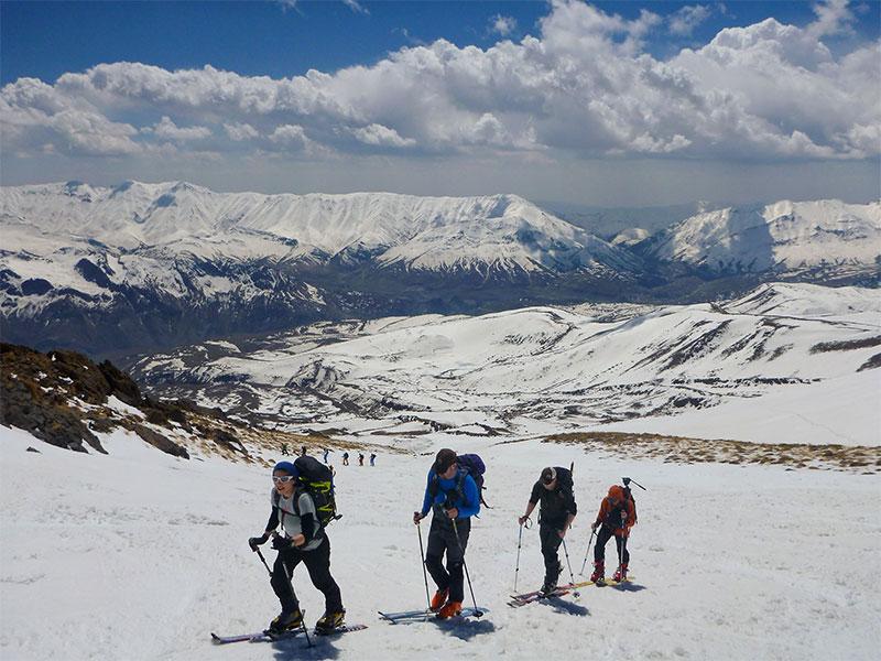 climb Mount Damavand