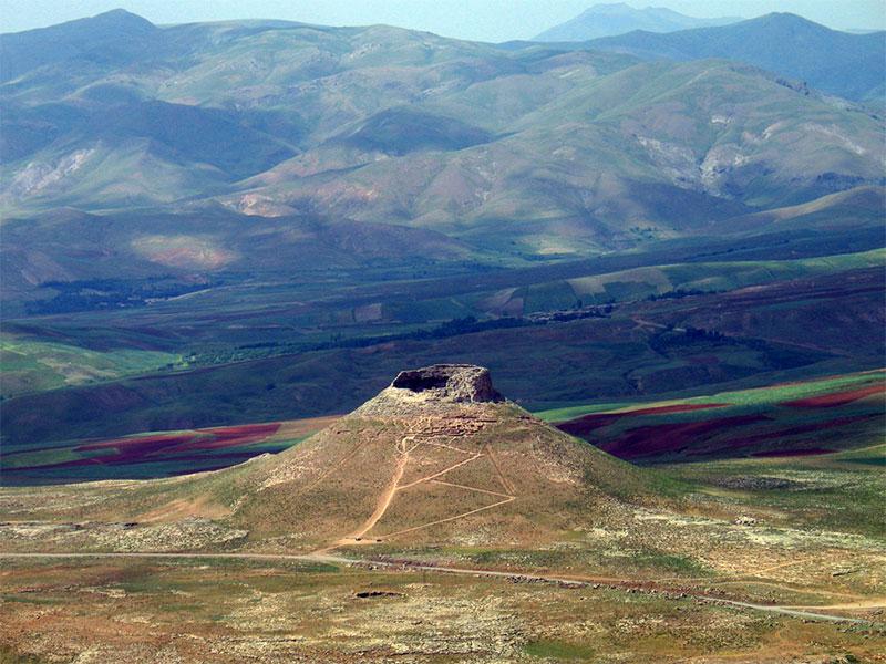 Zendan-e Soleyman - Takab